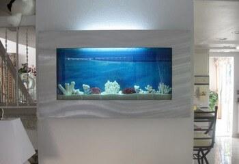 аквариум псевдоморе встроенный в мебель
