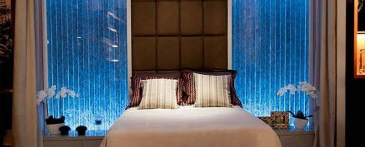 аквапанели с пузырьками в спальне