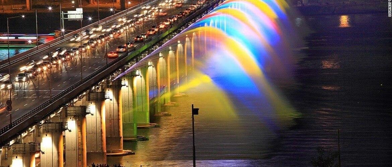 светомузыкальный фонтан на воде