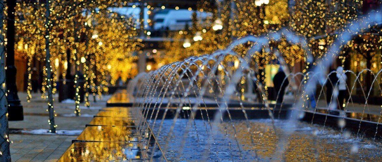 декоративный фонтан в торговом центре